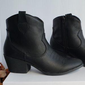NIB Black Ankle Boots 7.5